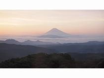 ホテルから望む富士の夕暮れ