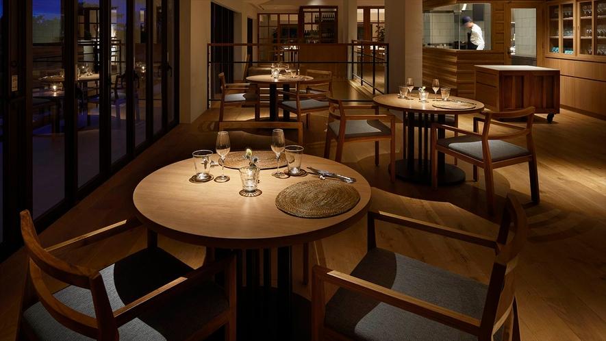 ◆ 2F レストラン
