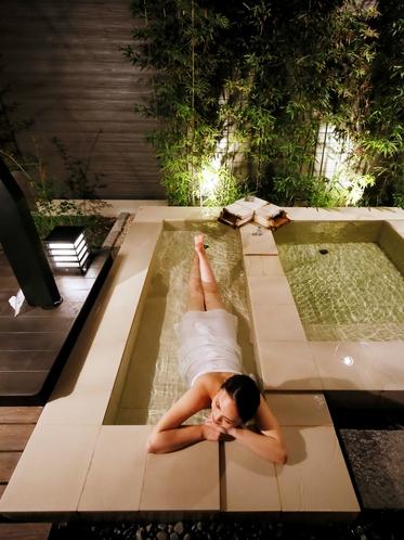 【客室専用の露天風呂&寝湯】