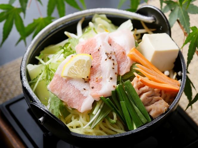 【豚トロ鍋】一例
