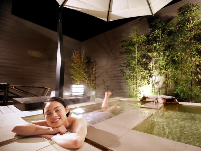 【客室の露天風呂】