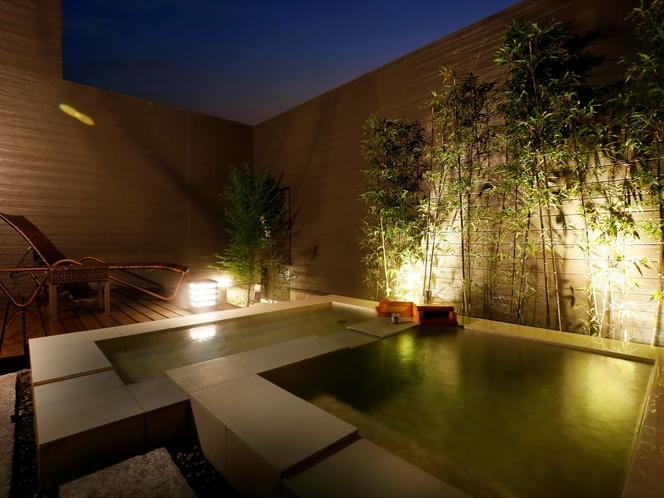 【客室専用の露天風呂&寝湯】一例