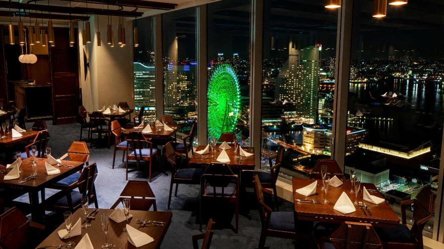 35Fレストラン「KITCHEN MANE by NAOKI OKUMURA」店内夜