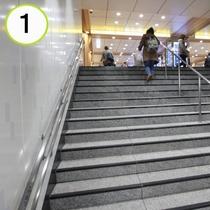 東京メトロ日比谷線1番出口からの道順ご案内①