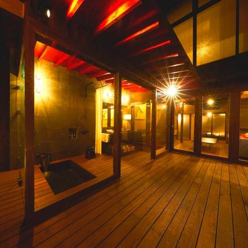 中庭(夜)夜景を楽しむ・・・