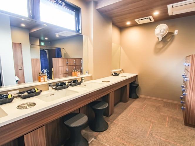 【パウダールーム】 清潔感のあるパウダールーム アメニティはDHC社製を採用♪