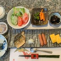 *【朝食一例】ご飯、味噌汁はおかわり自由!栄養バランスの良い健康的な「 和定食 」をご用意致します