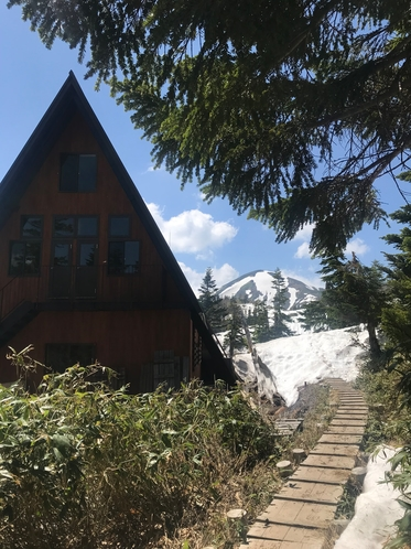 高谷池ヒュッテ Koya Pond Mountain Hut