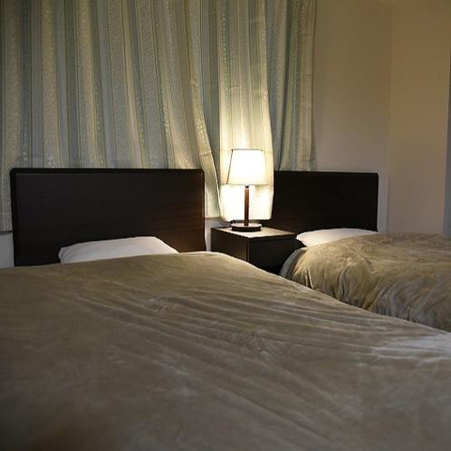 【45平米】ベッドルーム (消灯)