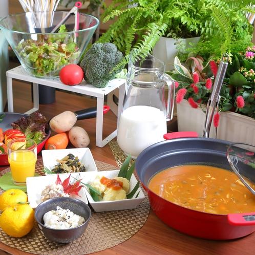 ご朝食(※現在コロナ予防対策として、定食でのご提供に変更しております)