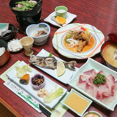 【日帰り◆グレードアップ料理】鯉料理×温泉×お部屋!代々受け継いだ自慢の鯉料理を堪能