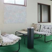 *【館内一例】喫煙所。客室は全室禁煙です