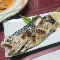 *【夕食一例】鱒(マス)の塩焼き