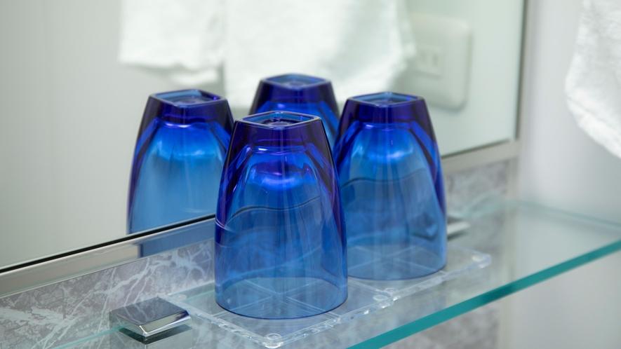 トライタングラス