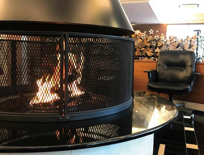 ロビー・暖炉 ※冬季