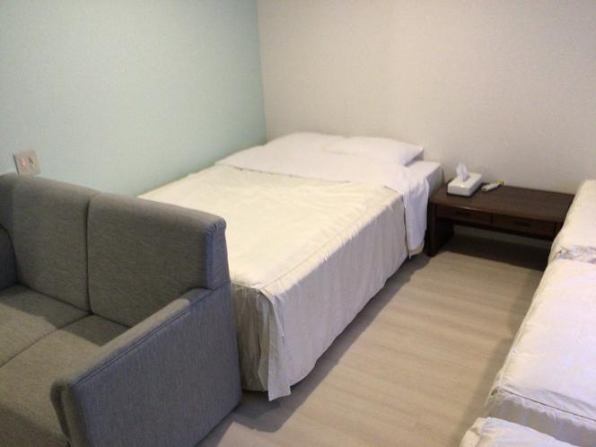 フォースルーム ダブルベッド