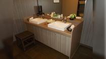 男性大浴場 洗面台