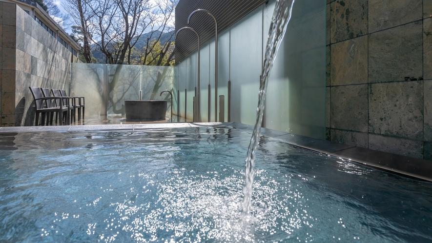 ●山村別館● 男性側露天風呂