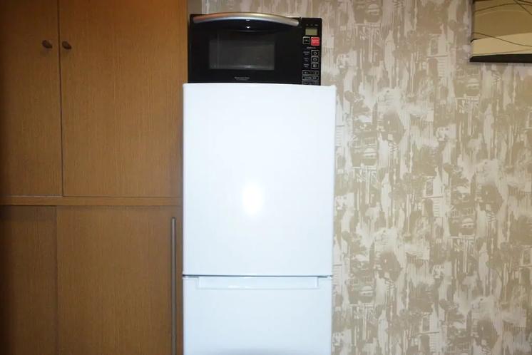 室内に冷蔵庫、電子レンジをご用意