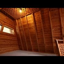 「ツリーハウス」温かな雰囲気のツリーハウスです。