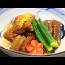 旬の食材を使った水之元オリジナルの煮物です!味がよ~くしみて美味しいですよ♪