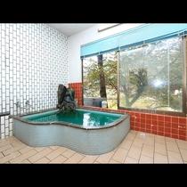 自然を眺めながらの入浴は身体も気分も癒やされ気持ちいい!疲れた身体を癒やしましょう。