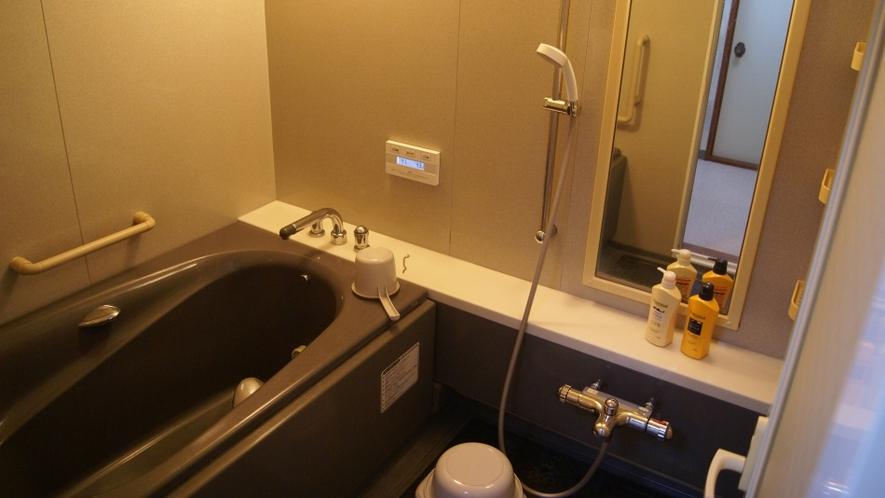 ゲストハウス浴室 / Guest House Bathroom