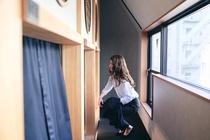 旅の疲れを最大限に癒すミニマルな禅空間をお楽しみください