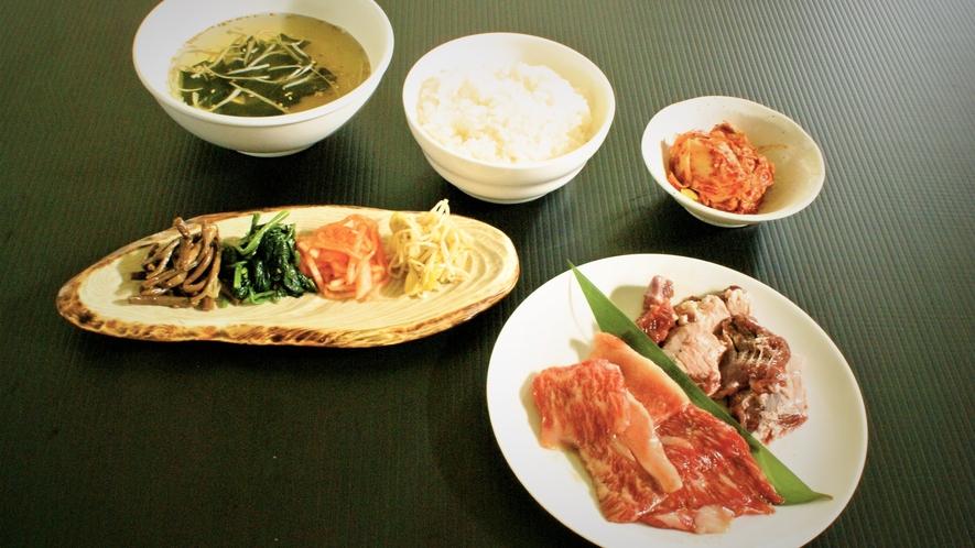 ■夕食:山形牛カルビと国産豚ハラミコース(一例)
