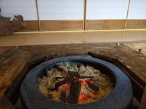 火鉢と障子
