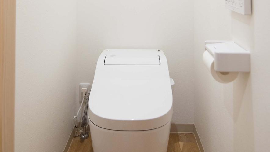 ・【Room1】温水洗浄便座完備のトイレ