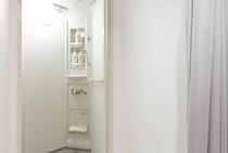 Shower room / シャワー室