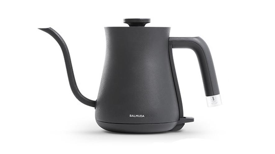 美しいBALMUDAの電気ケトルで深蒸し茶を満喫