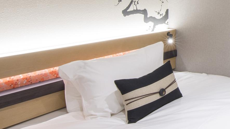 硬さの異なる枕をご用意しました。柔らかな感触で包み込むフィット感で上質な寝心地を追求