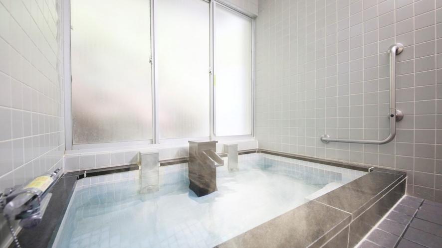 TWタイプのお客様専用の大浴場 広々とした湯船でリラックス♪