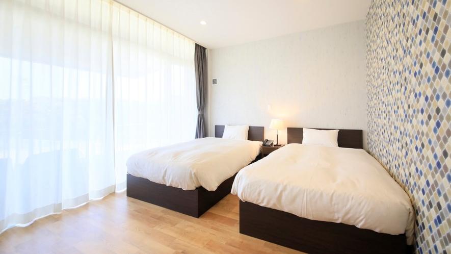 Gdタイプ一例 窓側の寝室はオーシャンビュー。寝覚めで眺めると最高の気分です。