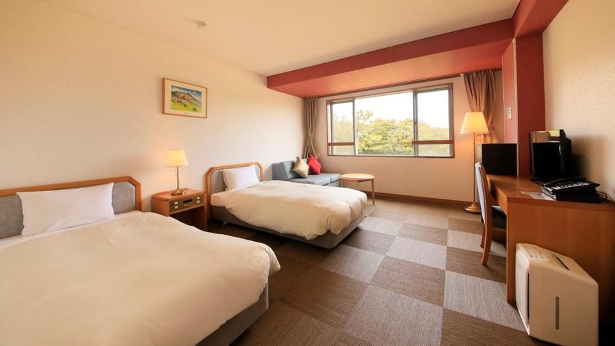 TWタイプ ホテル形式のお部屋。専用の大浴場や共用の電子レンジをご用意しております。