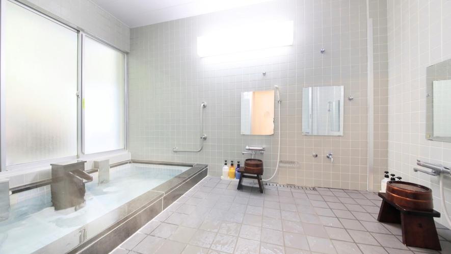 TWタイプのお客様専用の大浴場 お部屋にお風呂のご用意が無い代わりに専用大浴場がございます。