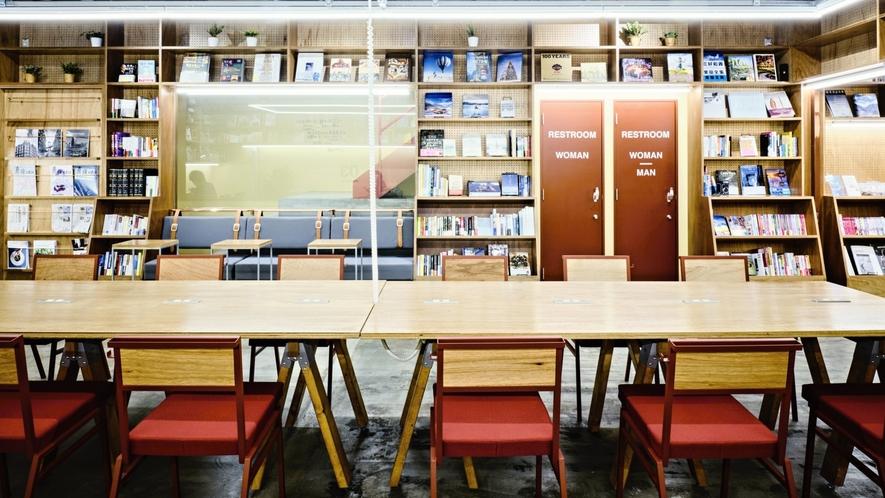 ■1F共用ラウンジ/ビジネスユースのカフェやコワーキングスペースとして利用可能です。
