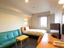 ◆ダブルスタンダード◆広さ17平米◆ベッド幅140cm