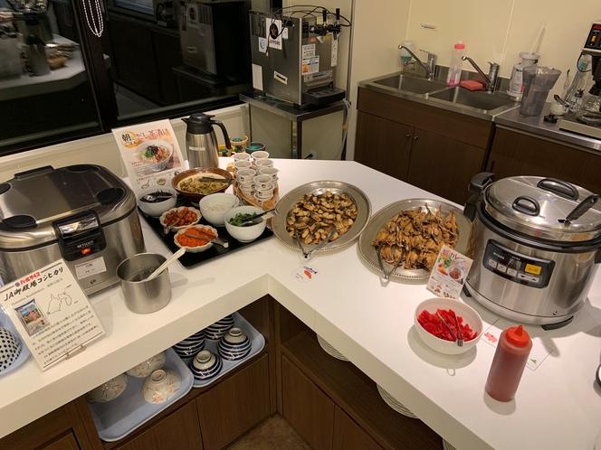 【ご朝食バイキング】料理の一例 焼き魚・カレー・お茶漬けセットなど