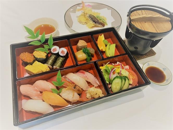 寿司天ぷら御膳です。専用の2食付きプランで販売致します。※内容は予告無く変更する場合がございます。