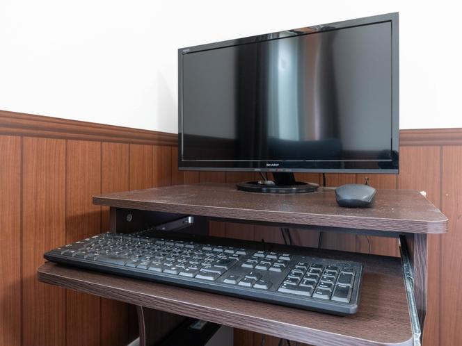デスクトップパソコン!全室あります!