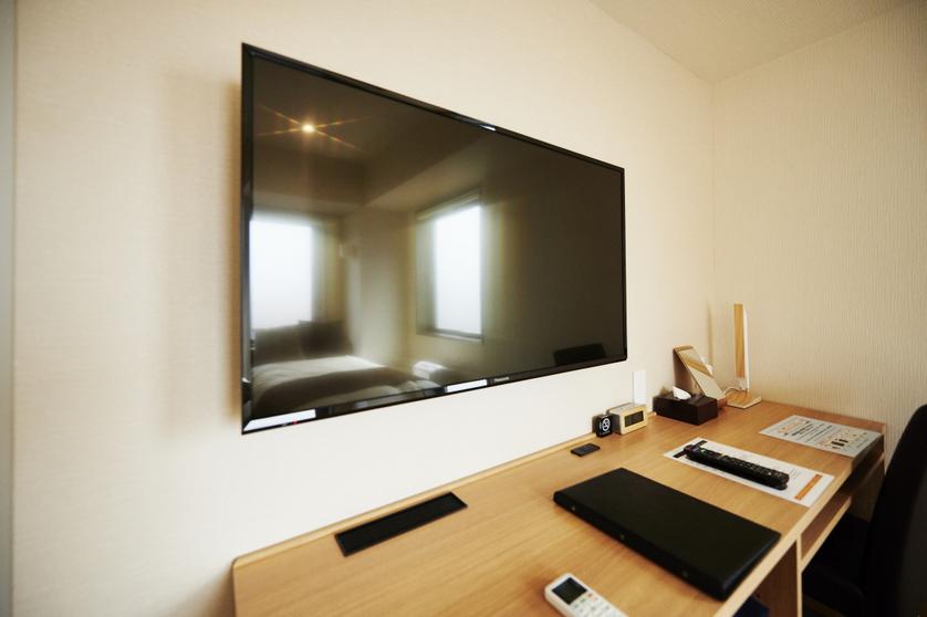 客室Panasonic 43インチTV
