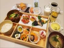 当面の間、ご朝食はブッフェ方式によるご提供を中止し、ワンプレートでのご提供とさせていただきます。