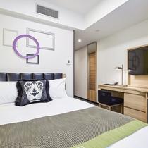 【コンフォートダブルルーム】ベッドは全室シモンズ社製。