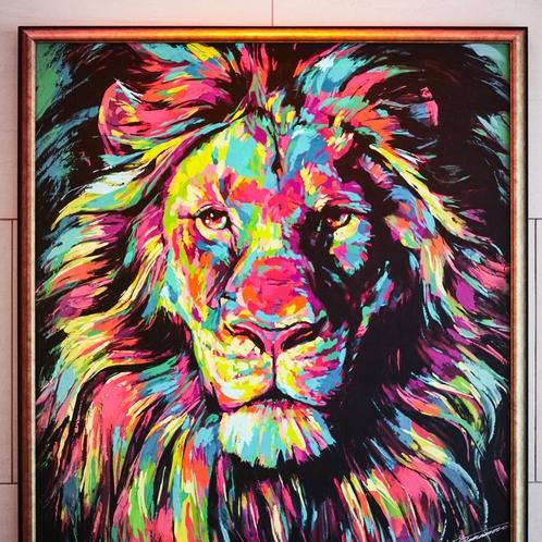 撮影スポットとしても人気のエントランスのライオンアート。