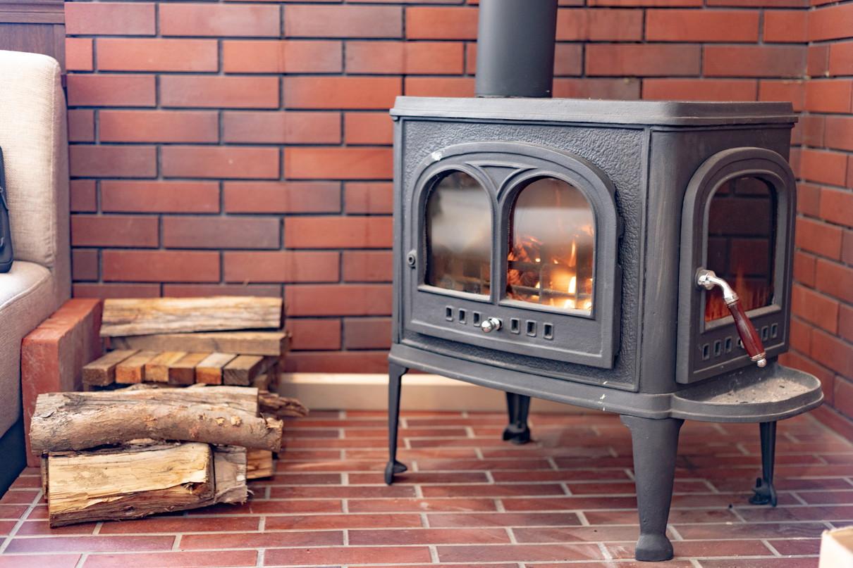 ラウンジ 暖炉