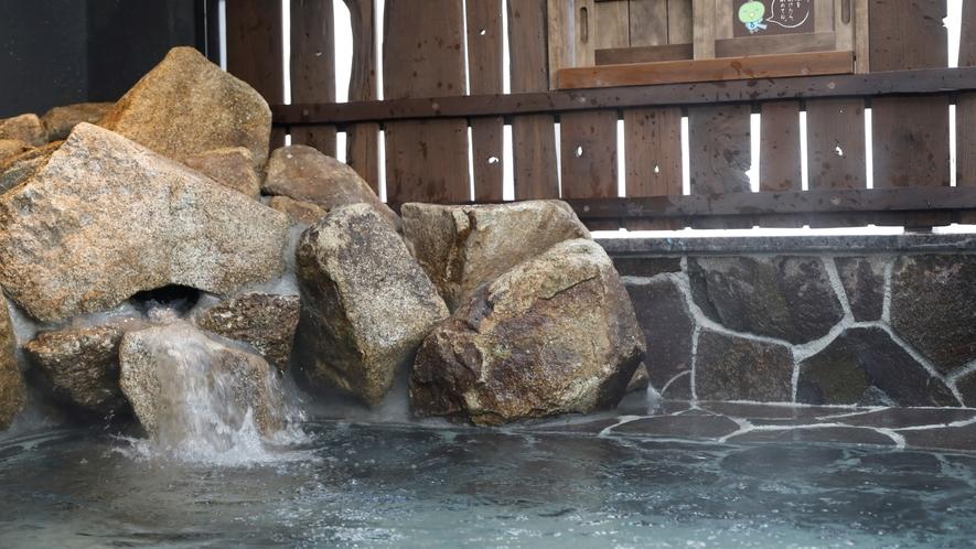 【男子】露天風呂 (湯温:42~43℃)