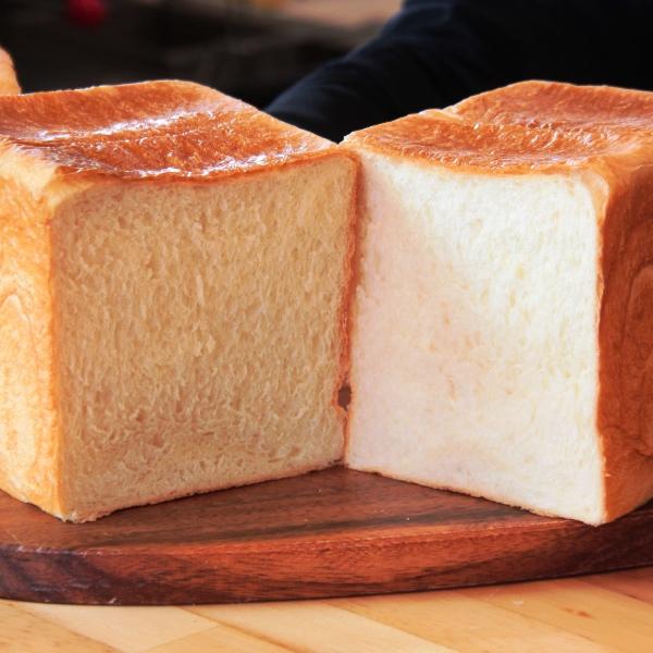 【料理】手焼き食パン。ホットドッグ名物!予約で完売するほど人気なママさんの手焼きトースト♪